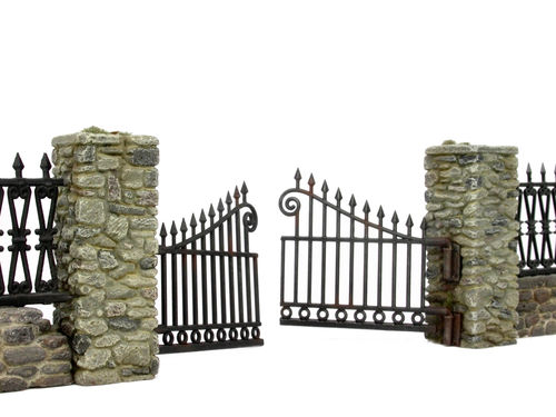 Quarry-stonewall with fence gate