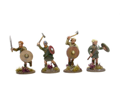 Scottish Clansmen with hand weapons 1